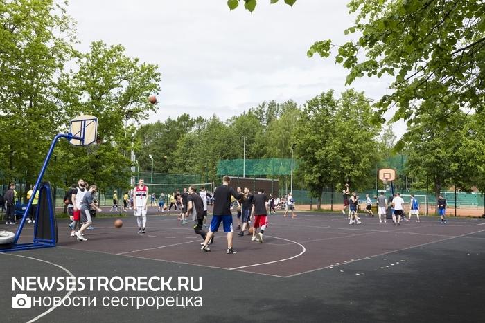 В Сестрорецке прошел турнир по стритболу