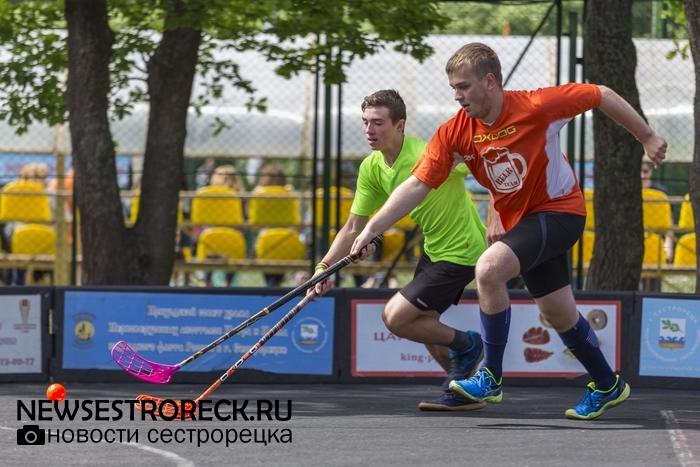 В Сестрорецке прошел турнир по мини-флорболу «Berest Cup - 2017»